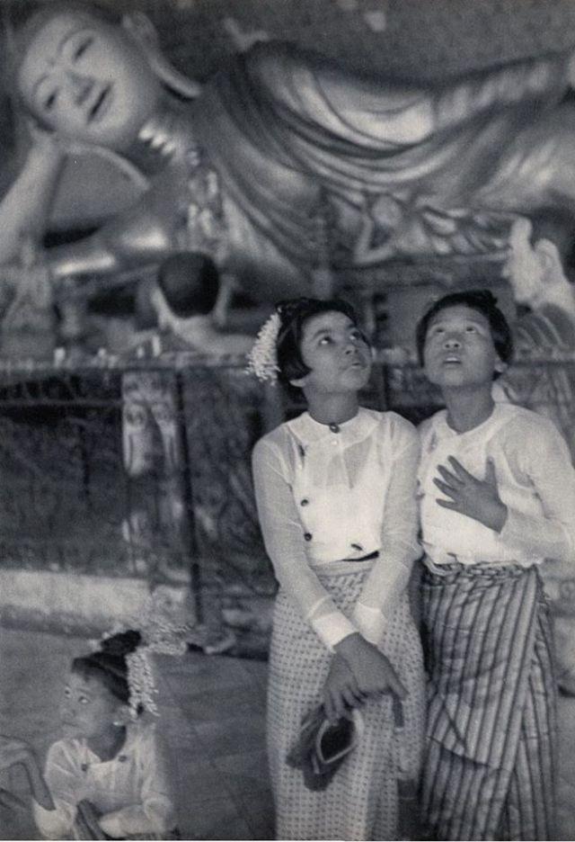 7. 1947 Henri Cartier-Bresson Shwe Dagon Pagoda